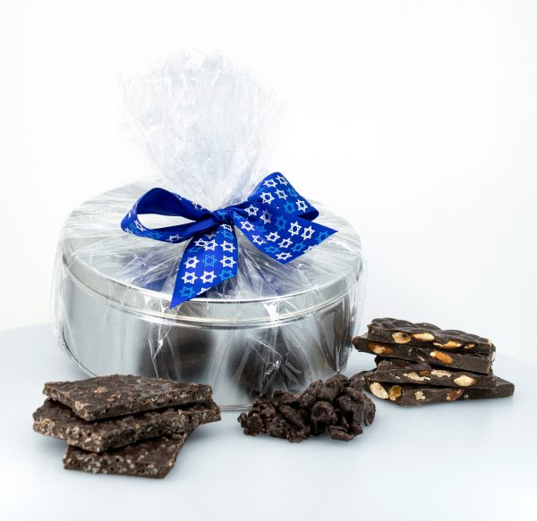 Pareve Gift Tins - Mix of Almond Bark, Cranberry Clusters & Crisped Rice Bark 1kg