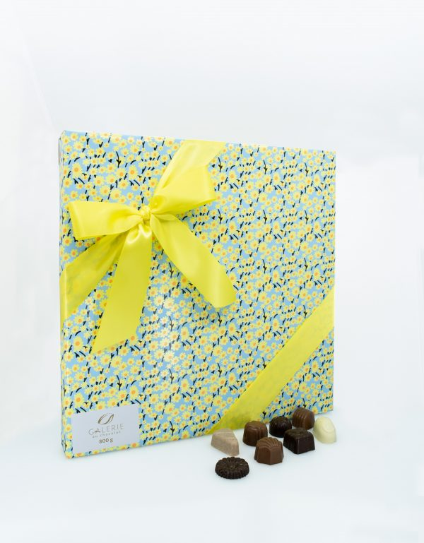 Signature Gift Box of Assorted Chocolates – Spring - 800g